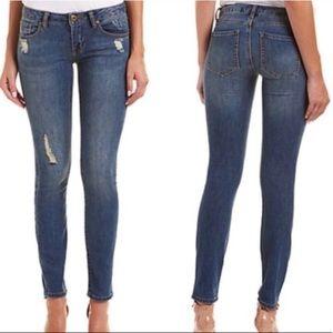 CAbi 5087 Destructed Skinny Jean